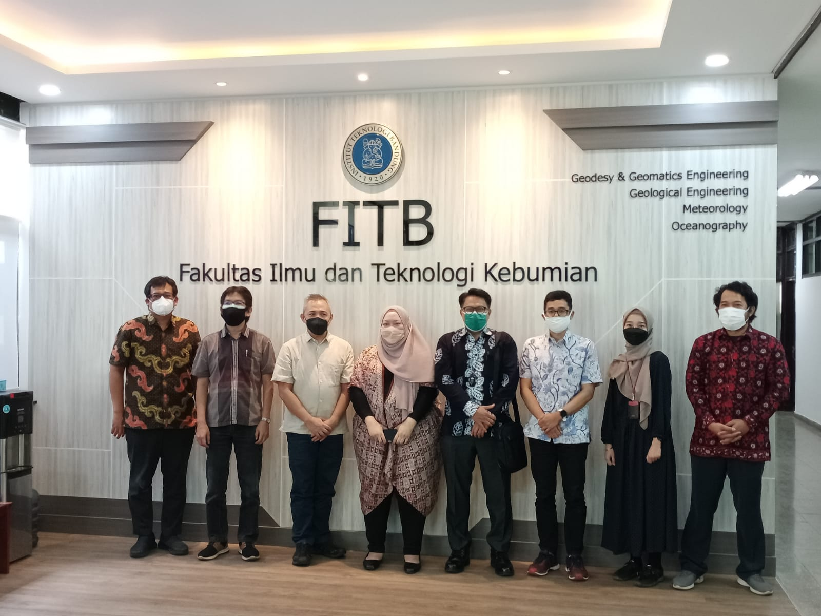 Selasa, 21 September 2021 Perdana Sidang Tertutup Program Doktor FITB yang dilakukan secara Hybrid